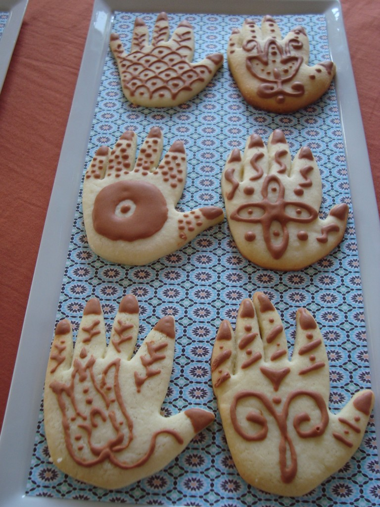 More henna cookies!