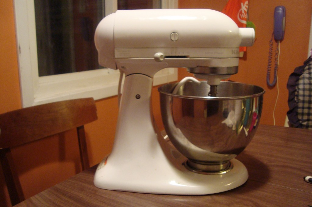 My new (old) Kitchen-Aid stand mixer!!!!